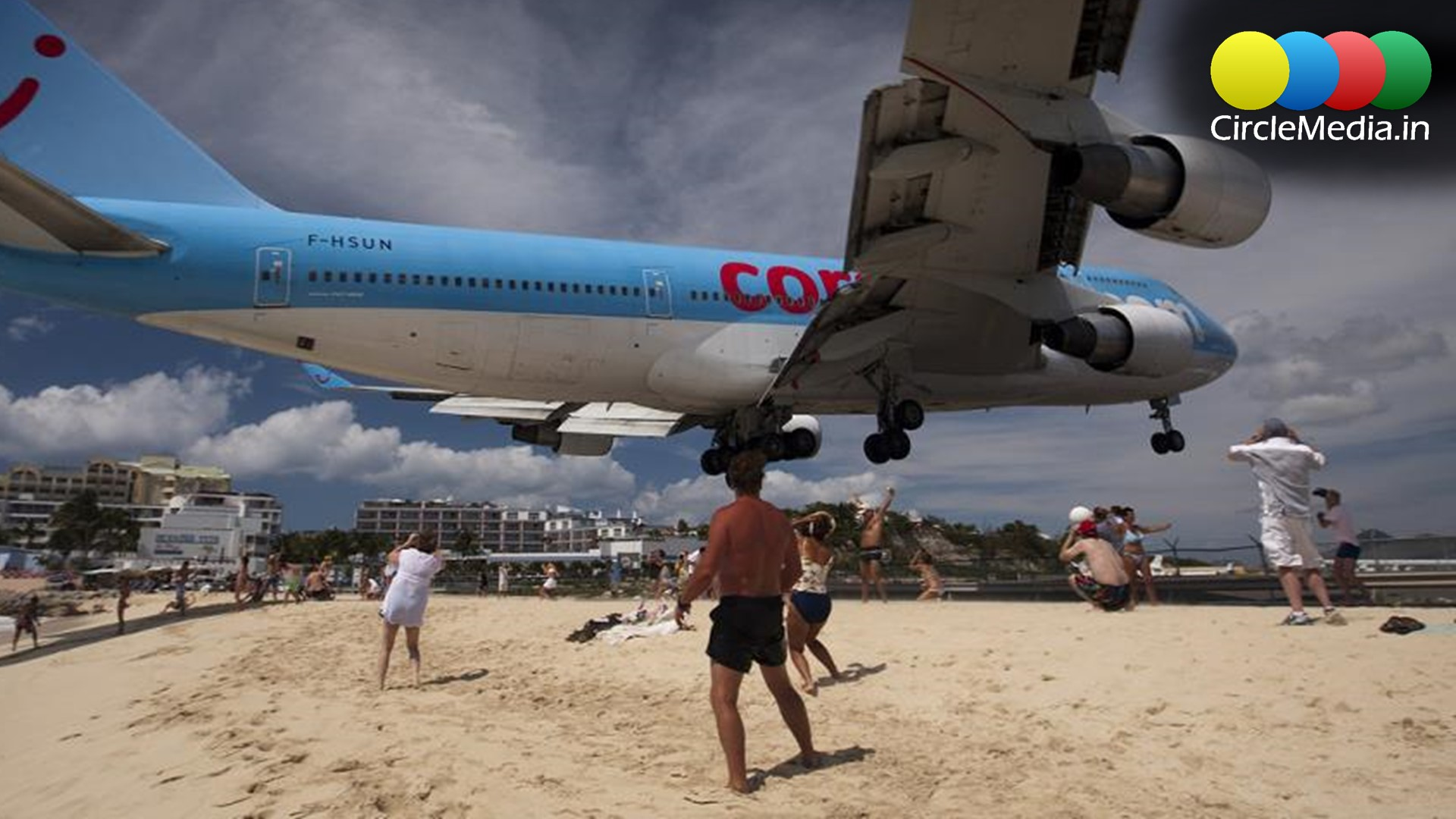 Dangerous airports in the world, Dangerous plane landings